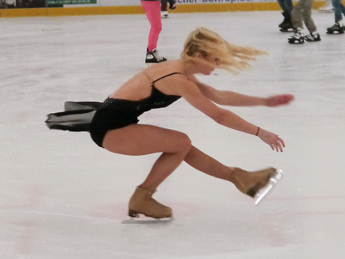 Holiday_on_ice_Annette_Dytrt