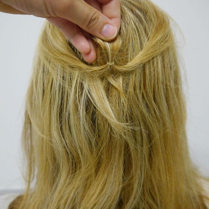 Einfache Frisuren 2 Half up half down